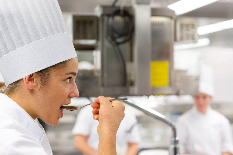 Kitchen-Students-1