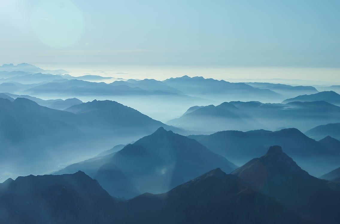 mountainsbackground_switzerland